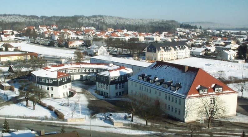 Schule im Winter